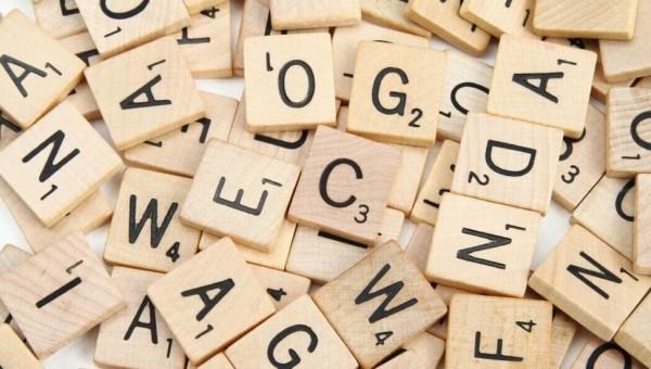 scarabeo-lettere-parole-gioco